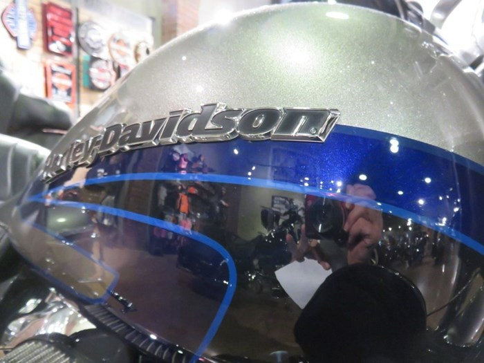 2017 Harley-Davidson FLHTKSE - CVO™ Limited Photo 4 of 14