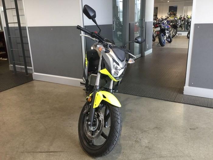 2017 Honda CB300F Photo 2 of 5