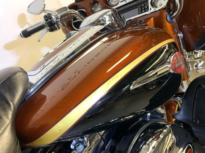 2008 Harley-Davidson FLHTCUSE3- Screamin' Eagle Ultra Classic Photo 7 of 14