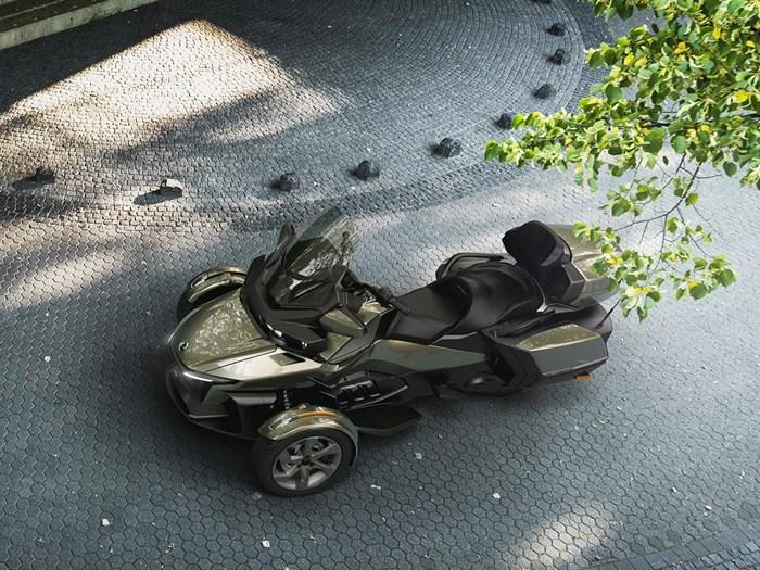 2021 Can-Am Spyder RT Limited Chrome Photo 2 sur 4