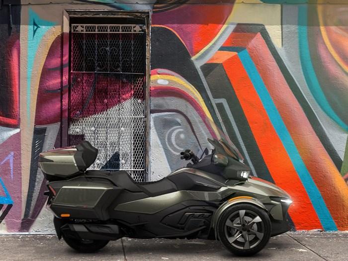 2021 Can-Am Spyder RT Limited Chrome Photo 3 sur 4