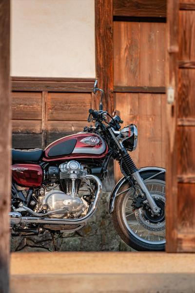 2020 Kawasaki W800 - ROUGE CARDINAL Photo 11 of 23