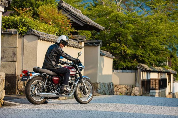 2020 Kawasaki W800 - ROUGE CARDINAL Photo 16 of 23