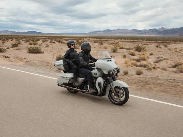 2020 Harley-Davidson FLHTKSE - CVO™ Limited Photo 2 of 4