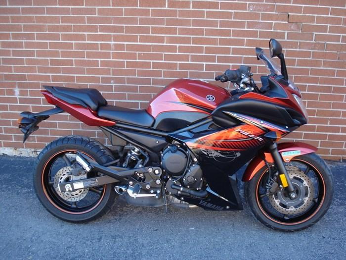 2011 Yamaha FZ6R Photo 1 sur 11