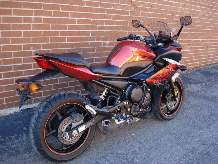 2011 Yamaha FZ6R Photo 2 sur 11