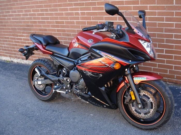 2011 Yamaha FZ6R Photo 3 sur 11
