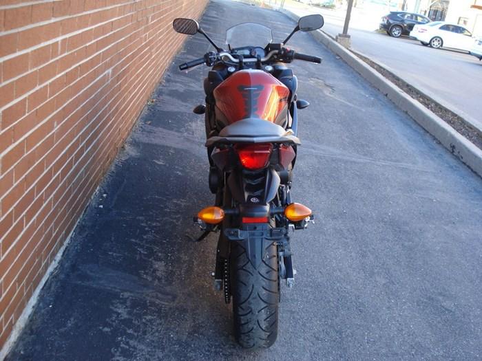 2011 Yamaha FZ6R Photo 4 sur 11