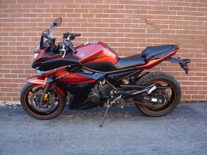 2011 Yamaha FZ6R Photo 7 sur 11