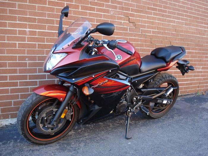 2011 Yamaha FZ6R Photo 8 sur 11