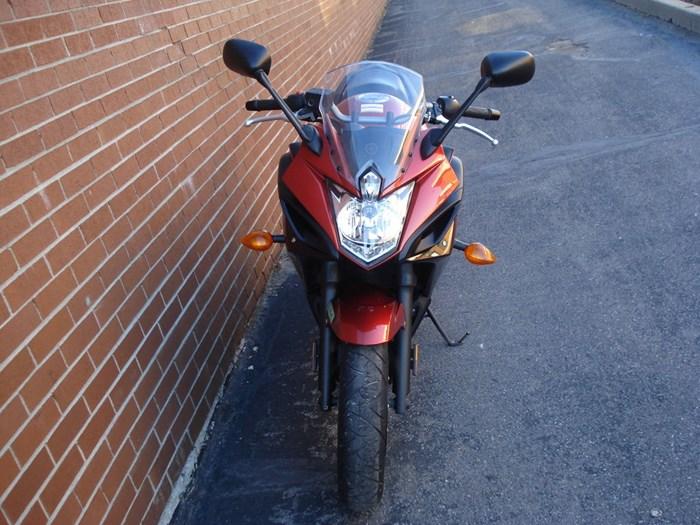 2011 Yamaha FZ6R Photo 10 sur 11