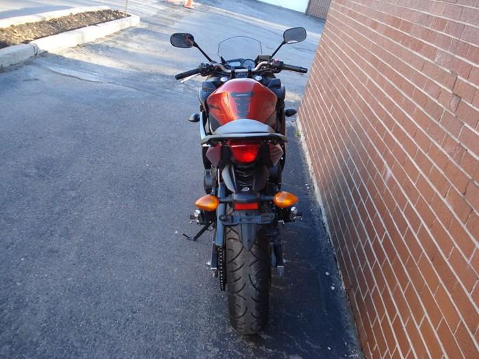 2011 Yamaha FZ6R Photo 11 sur 11