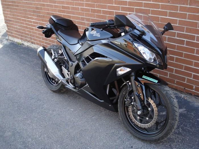 2014 Kawasaki EX300 Photo 3 of 11