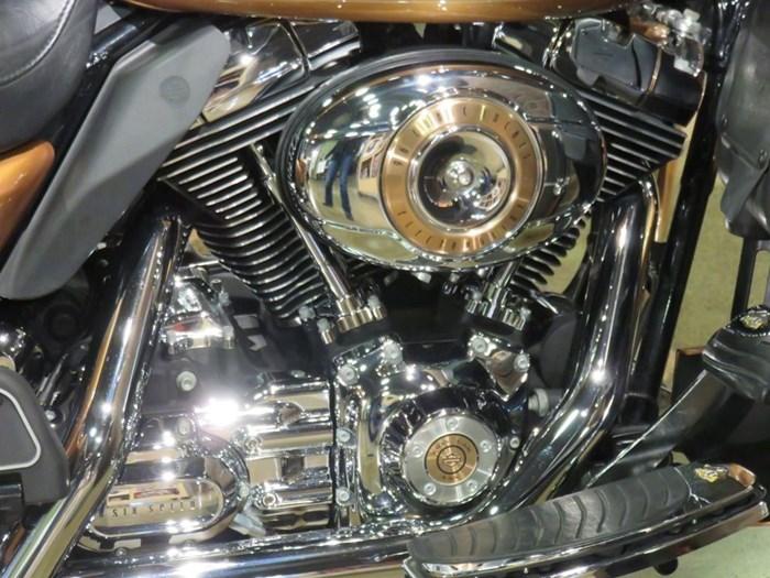2008 Harley-Davidson Electra Glide Ultra Anniversary Photo 2 of 11