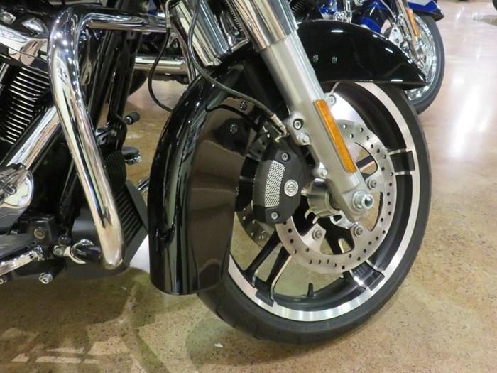 2018 Harley-Davidson FLHX - Street Glide® Photo 5 of 9