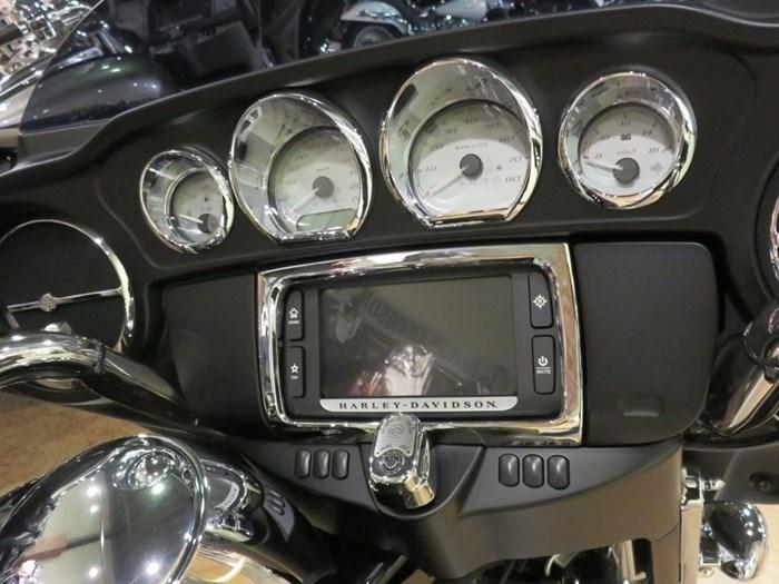 2018 Harley-Davidson FLHX - Street Glide® Photo 6 of 9