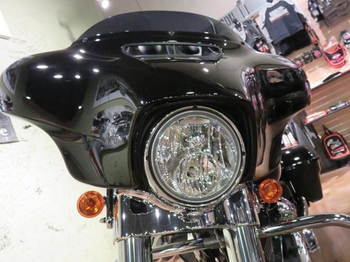 2018 Harley-Davidson FLHX - Street Glide® Photo 7 of 9