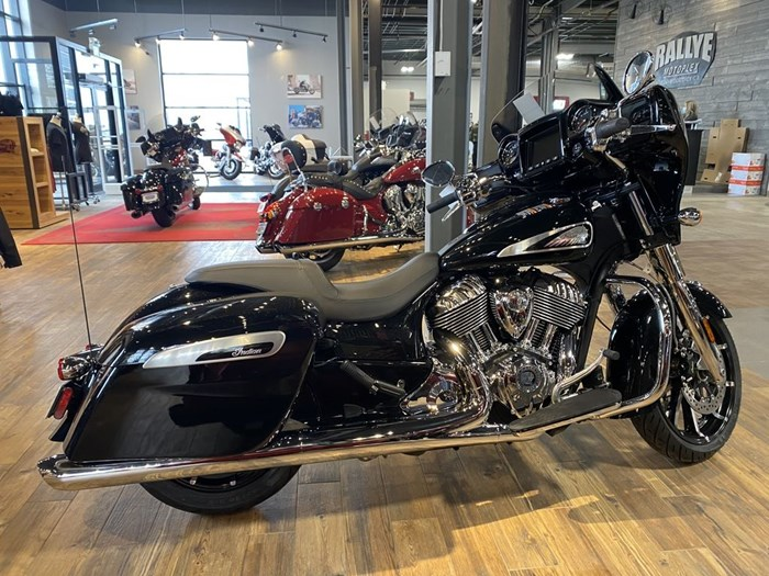 2021 Indian Motorcycle® Chieftain® Limited Thunder Black Pearl Photo 1 of 8