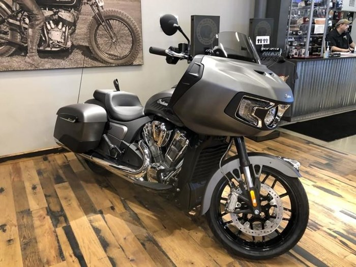 2021 Indian Motorcycle® Challenger® Titanium Metallic Photo 2 of 5