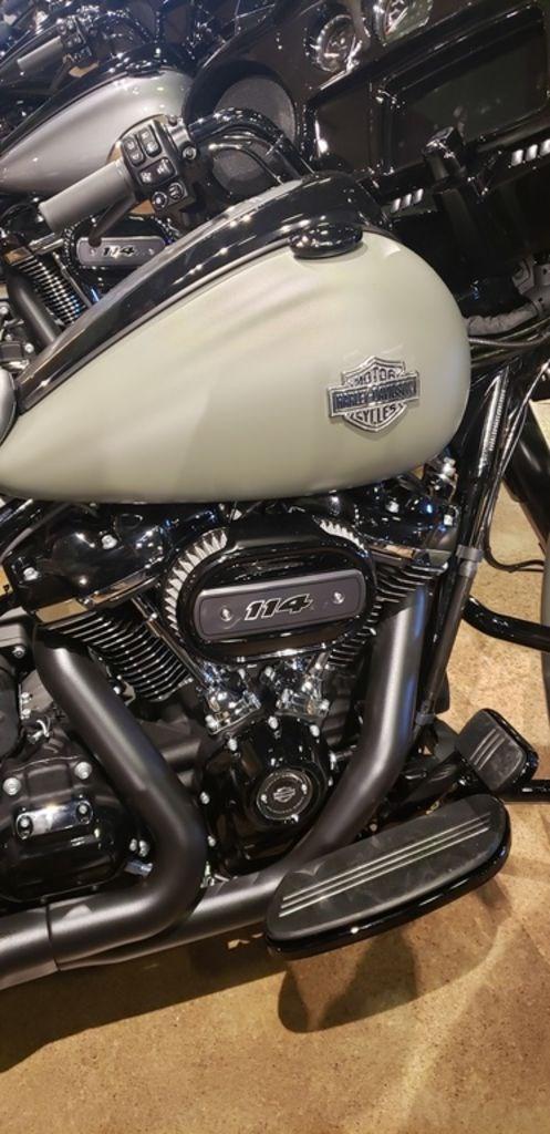 2021 Harley-Davidson FLHXS - Street Glide™ Special Photo 4 of 7