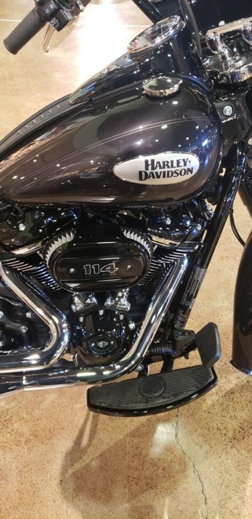 2021 Harley-Davidson FLHCS - Heritage Classic 114 Photo 4 of 9