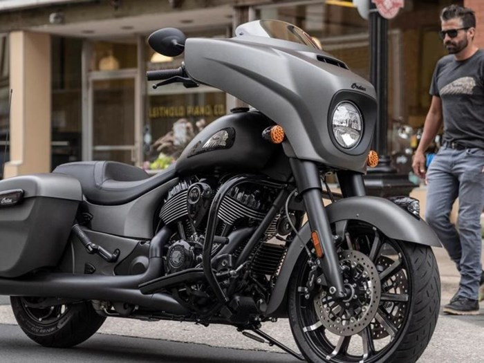 2021 Indian Motorcycle® Chieftain® Dark Horse® Titanium Smoke Photo 1 of 5