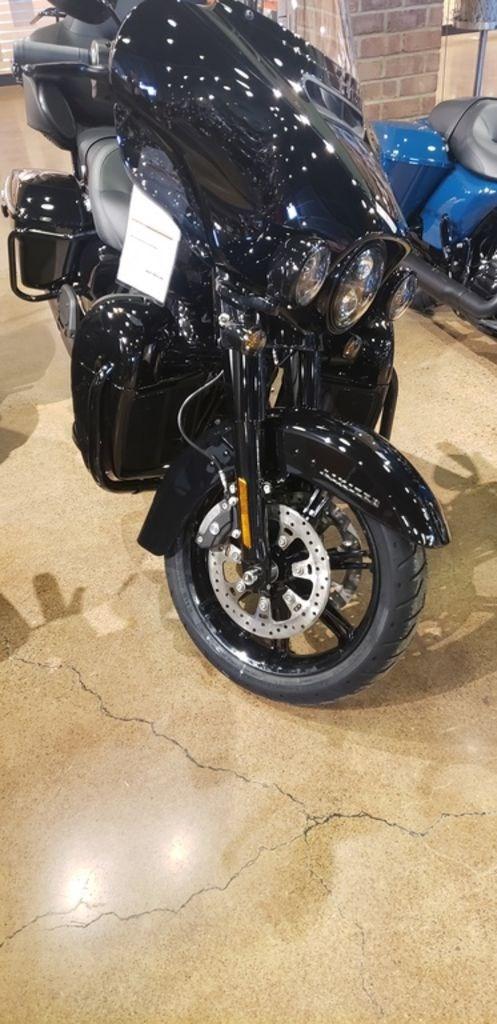 2021 Harley-Davidson FLHTK - Ultra Limited Photo 2 of 7