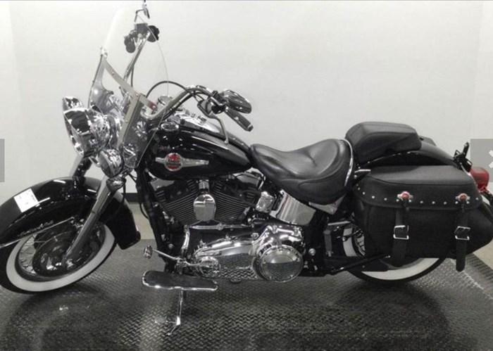 2016 Harley-Davidson FLSTC - Heritage Softail® Classic Photo 2 of 2
