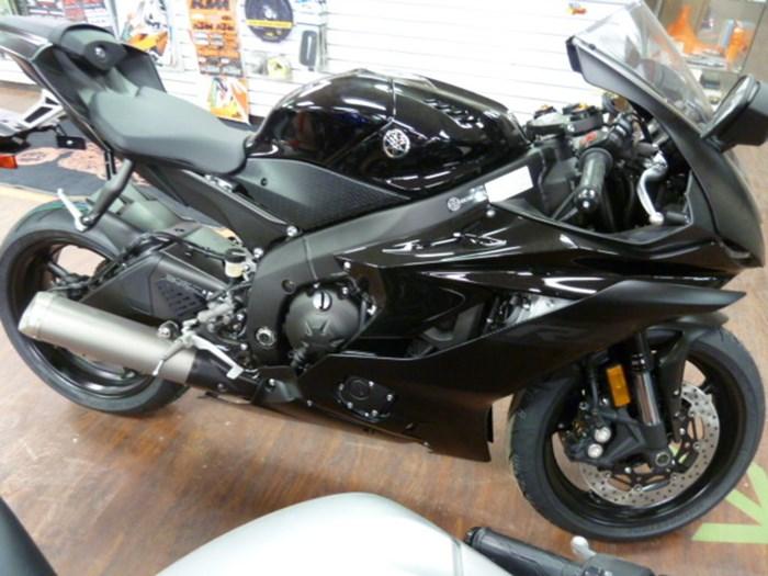 2020 Yamaha YZF-R6 Photo 1 sur 6
