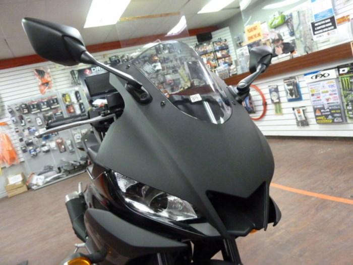 2020 Yamaha YZF-R3 Photo 5 sur 5