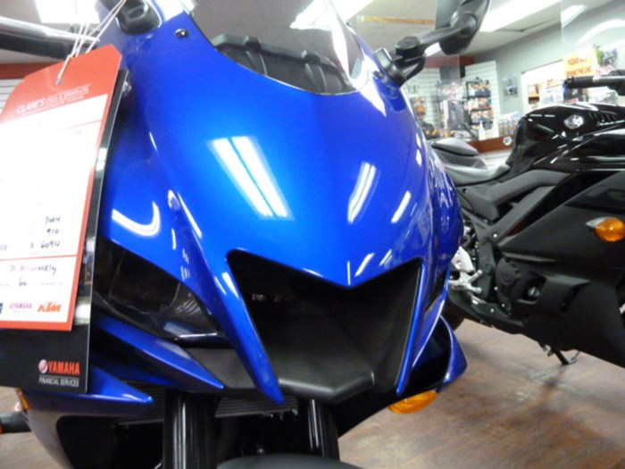 2020 Yamaha YZF-R3 Photo 7 of 8