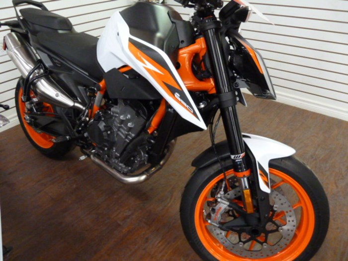 2021 KTM 890 Duke R Photo 1 of 10