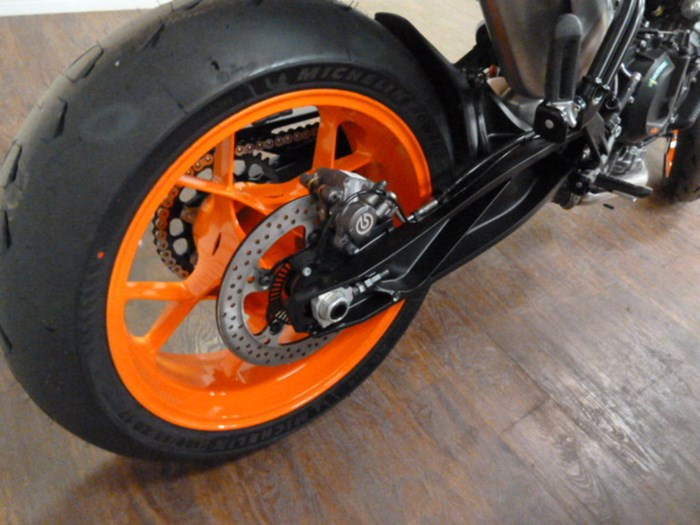 2021 KTM 890 Duke R Photo 5 of 10